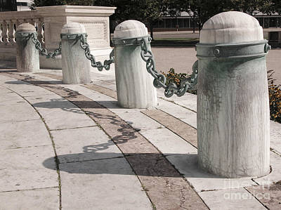 Photograph - Posts And Chains At Niagara Square by Tom Brickhouse