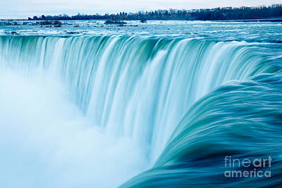 Power Of Niagara Falls Art Print by Peta Thames