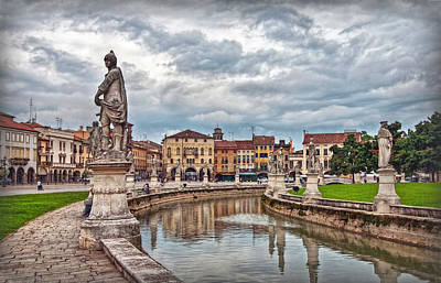 Photograph - Prato Della Valle by Hanny Heim