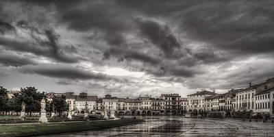 Photograph - Prato Della Valle by Roberto Pagani
