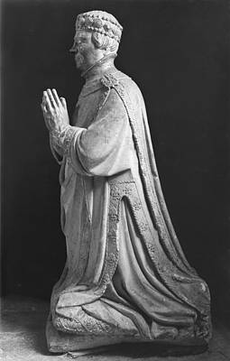 Whit Sculpture - Praying Kneeling Figure Of Duc Jean De Berry 1340-1416 Count Of Poitiers by French School