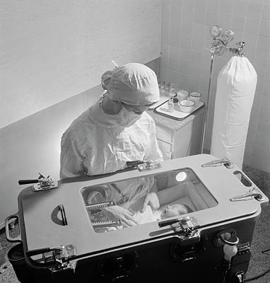 Premature Babies Photograph - Premature Baby Unit by Library Of Congress