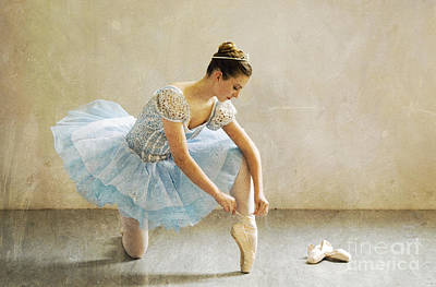 Photograph - Preparation For Dance - D008548-a by Daniel Dempster