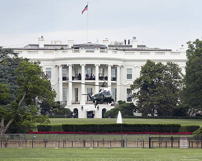 Photograph - President Obama Waives To Hmx-1 From The White House By Denise Dube by Denise Dube