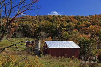 Photograph - Pretty Barn by Jill Lang