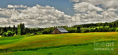Photograph - Priest River Barn by Sam Rosen