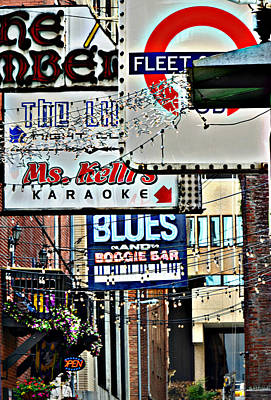 Ally Photograph - Printers Alley by Ally  White