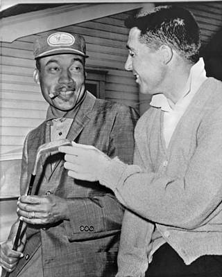 Racism Photograph - Pro Golfers Chat by Underwood Archives