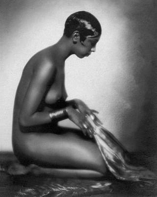 African Americans Photograph - Profile Of Josephine Baker by Underwood Archives