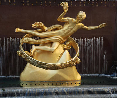 Photograph - Prometheus In Rockefeller Center by Richard Bryce and Family