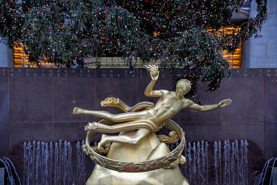 Prometheus Statue Rockefeller Center Nyc Print by Susan Candelario