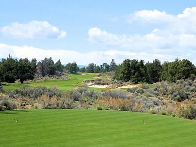 Golf Photograph - Pronghorn Golf Club Hole #16 by Scott Carda