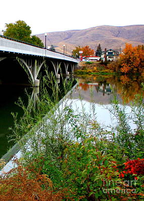 Photograph - Prosser - Autumn Bridge Over The Yakima River by Carol Groenen