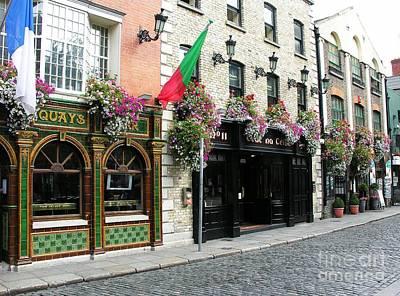 Pubs In Dublin Art Print by Mel Steinhauer