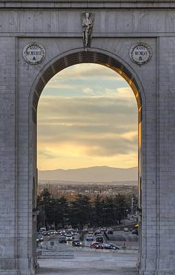 Photograph - Victory Arch In Madrid by Pablo Lopez
