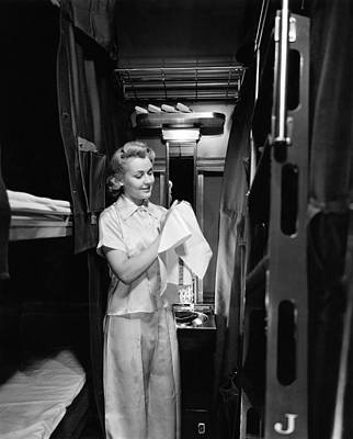 Wash Basins Photograph - Pullman Coach Sleeper Car by Underwood Archives