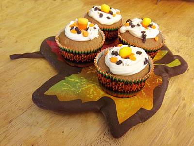 Photograph - Pumpkin Spice Cupcakes by Rosalie Klidies
