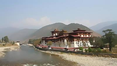 1907 Digital Art - Punakha Dzong Bhutan by Maciek Froncisz
