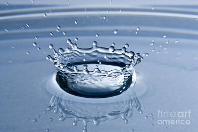 Pure Water Splash Art Print