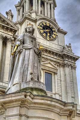 St. Timothy Photograph - Queen Anne Statue by Tim Stanley