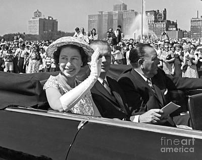 Queen Elizabeth In Chicago 1959 Art Print