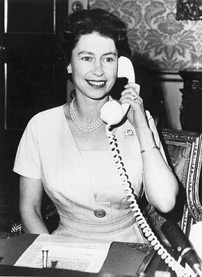 Queen Elizabeth On The Phone Art Print by Underwood Archives