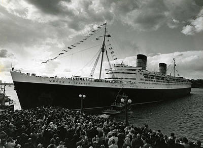 Stein Photograph - Queen Elizabeth Ship In Harbor By Barney Stein by Retro Images Archive