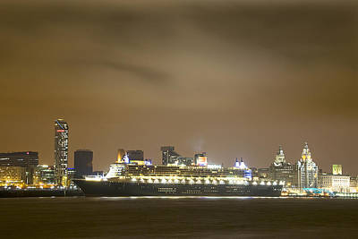 Liverpool Photograph - Queen Mary 2 by Jeff Dalton
