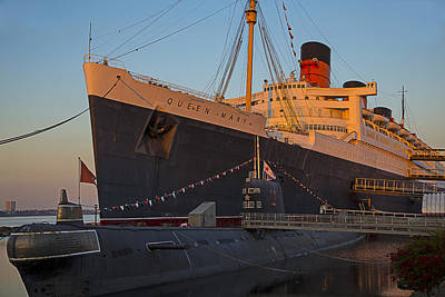 Liner Photograph - Queen Mary At Sunset by Garry Gay
