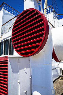 Liner Photograph - Queen Mary Red Vent by Garry Gay