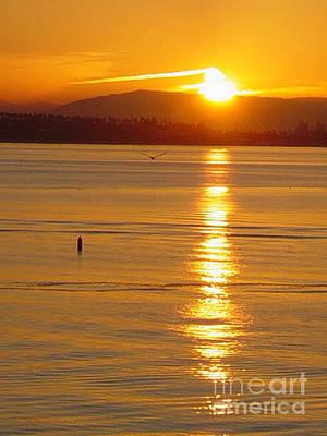 Photograph - Queen Mary Sunrise by Deborah Smolinske