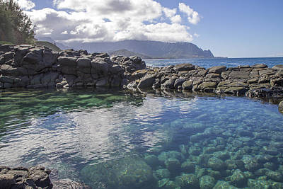 Photograph - Queen's Bath Tide Pool by Saya Studios