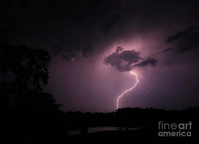 Photograph - Questioning The Thunderstorm by Reid Callaway