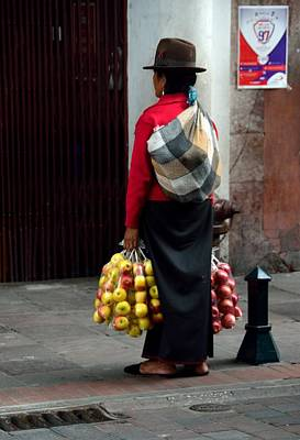 Photograph - Quito Apple Seller by Steven Richman