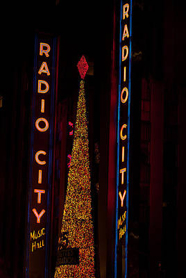 Photograph - Radio City Christmas by Paul Mangold