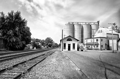 Rail Road In Rural Pennsylvania Print by Bill Cannon