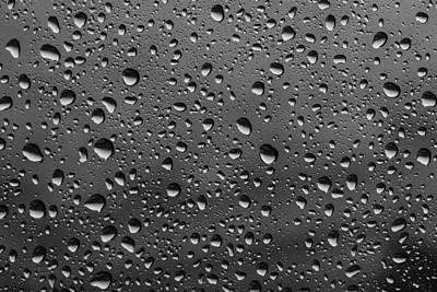 Rain Drops.... Art Print