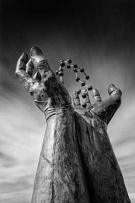 Molecule Photograph - Ramsgate - Hands And Molecule by Ian Hufton