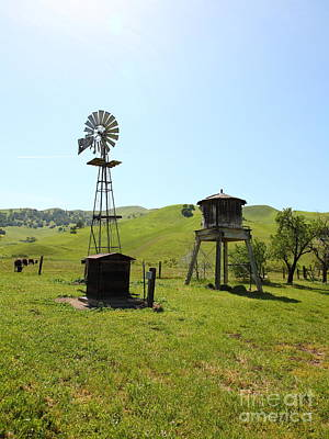 Photograph - Ranch Along The Rolling Hills Landscape Of The Black Diamond Mines In Antioch California 5d22338 by Wingsdomain Art and Photography