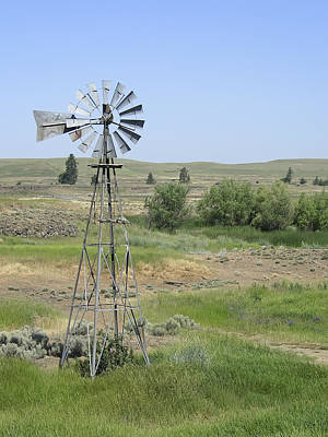 Ranch Windmill - Eastern Washington Art Print by Daniel Hagerman