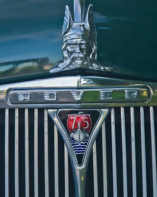 Photograph - Range Rover Grill And Viking Hood Ornament  by Ginger Wakem