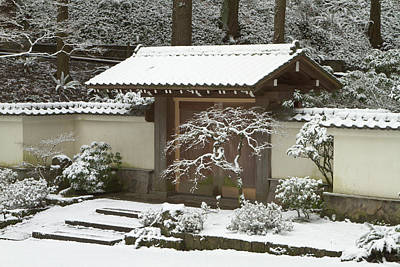 Sutton Photograph - Rare Snow At The Portland Japanese by William Sutton