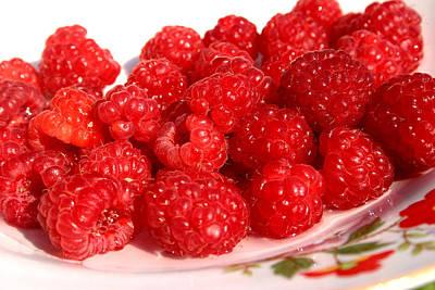 Photograph - Raspberries by Emanuel Tanjala