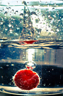 Photograph - Raspberry Dropped In Water by Anthony Doudt