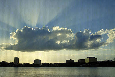 Travel - Rays Over Lake Morton by Laurie Perry