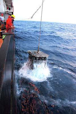 Geologist Photograph - Recovering Robotic Underwater Vehicle by B. Murton/southampton Oceanography Centre