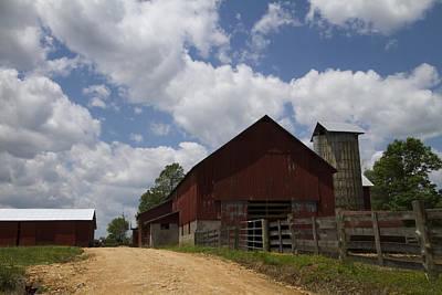 Ethridge Photograph - Red Amish Barn by Kathy Clark