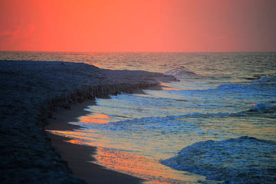 Painting - Red And Blue Surf by Michael Thomas