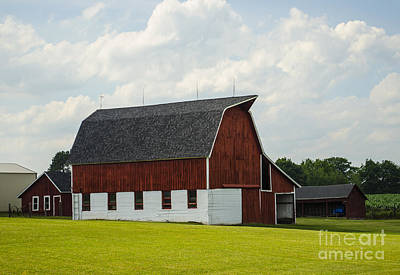 Photograph - Red And White Barn Crivitz Wisconsin by Deborah Smolinske