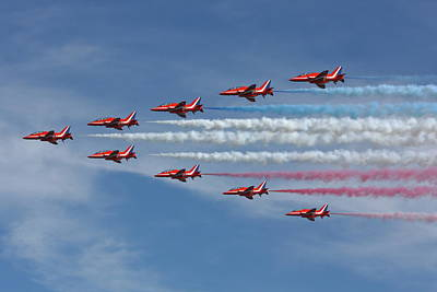 Smoke Trails Photograph - Red Arrows V Formation by Phil Clements